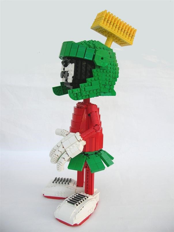 Mrs. Monster's LEGO Marvin the Martian