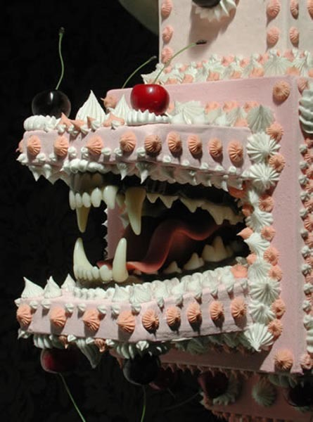 RRRrrrr! Hungry Cakes With Vicious Jaws
