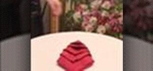 Fold a napkin like a cone (Pliage en cone)