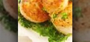 Cook pan fried scallops