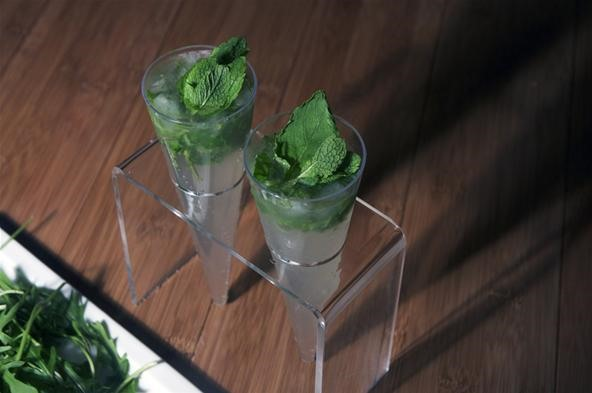 How to Make Vodka Mojitos