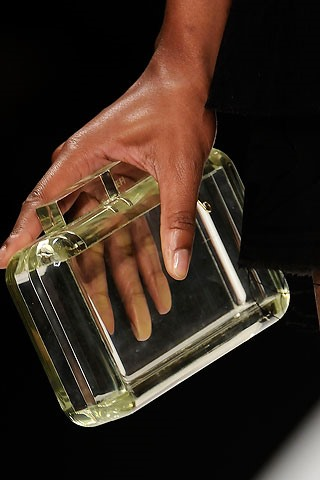 HowTo: Hold-No-Secrets Transparent Clutch