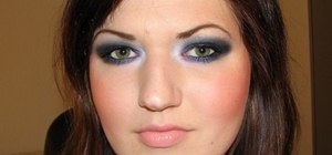 Apply Smokey Blue & Purple eyes with MAC
