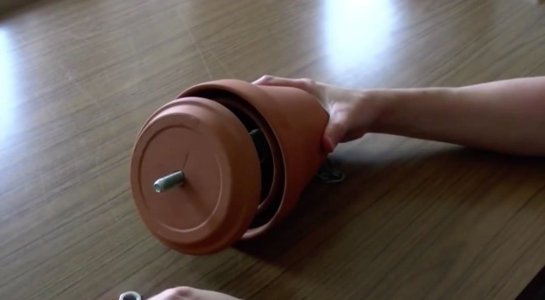 How to Make an Elegant No-Gas, No-Electricity Heater for the Winter
