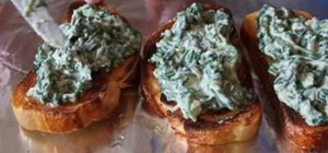 Make spinach toast with leftover cream spinach