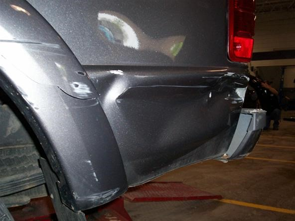 How to Decide To Replace Or Repair A Dent With Metal Straightening