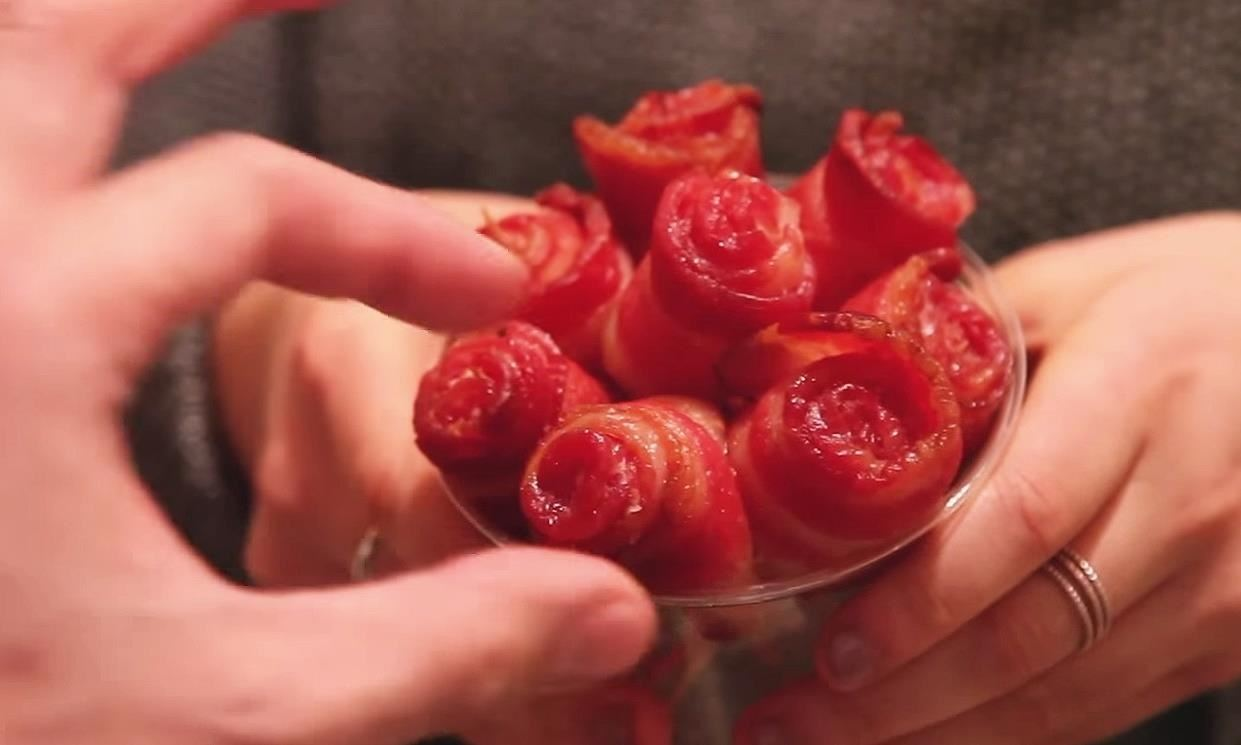 DIY Bacon Rose Bouquet: Who Says Bacon Can't Be Romantic?