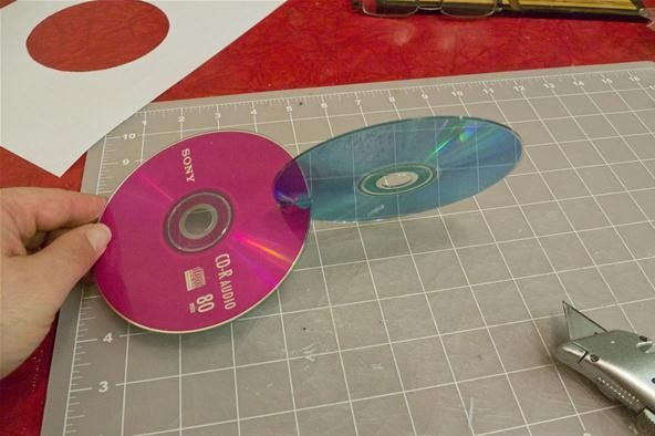 How to Make a Two Circle Wobbler from CDs