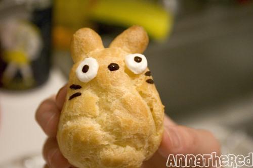 "Hayao Miyazaki's ""My Neighbor Totoro"" Cakes"