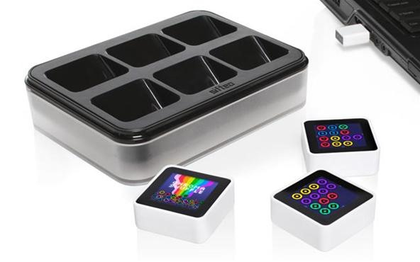 NFC-Equipped Sifteo Cubes One Up Hasbro's Scrabble Flash Word Game (But Costs 5X More)