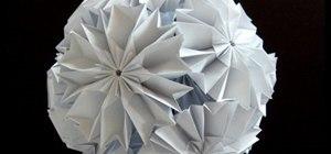 Origami a cherry blossom Ku-Kusudama