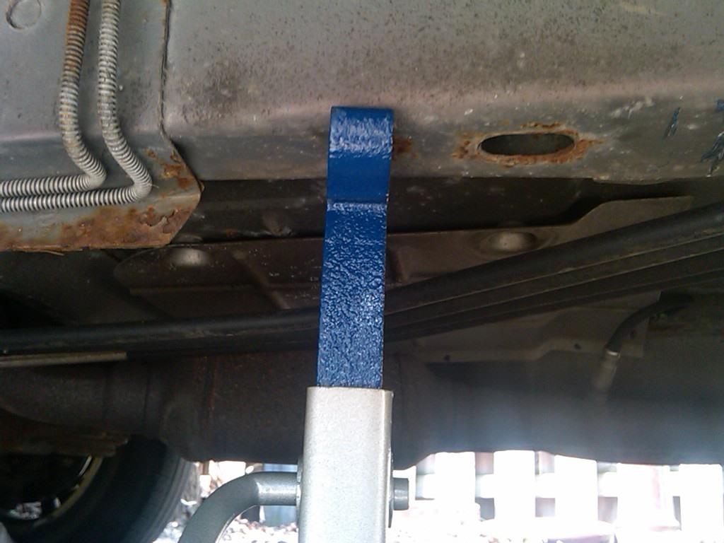 How to Jack Up a Chevy Venture Van