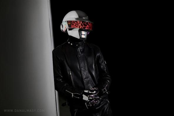 Harrison Krix's DIY Daft Punk Helmet in 4-Month Time-Lapse Video