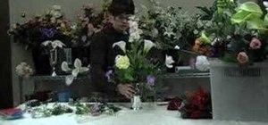 "Make a ""potpourri"" flower arrangement"
