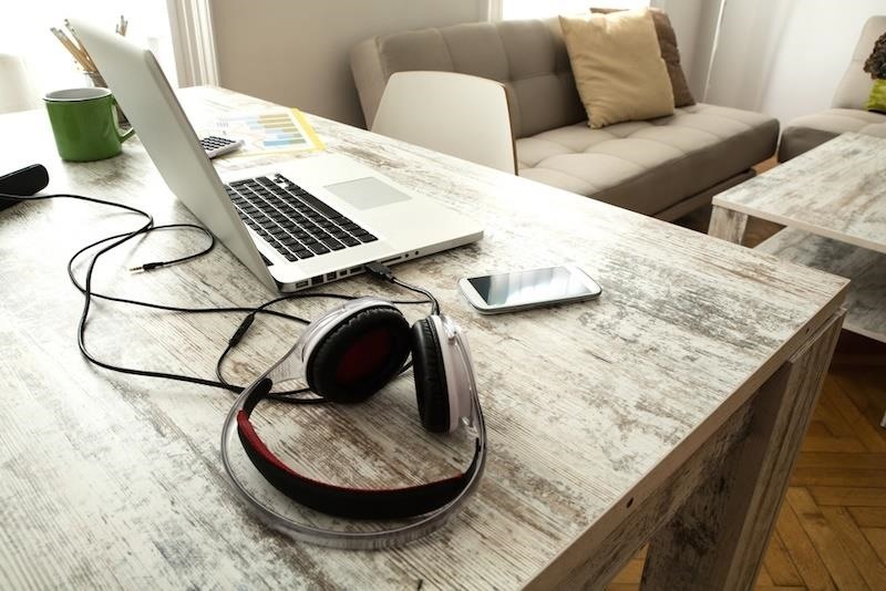10 Desk Hacks That'll Help You Get More Done at Work