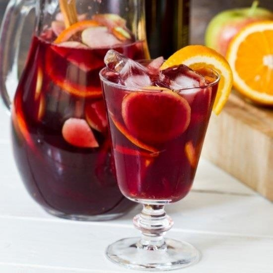 Impress Your Drinking Buddies with These 10 Pro Cocktail Hacks