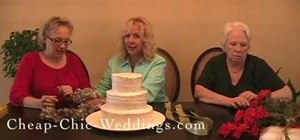 Decorate a simple wedding cake yourself