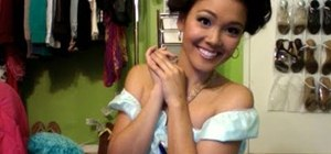 Do the makeup for a Princess Jasmine from Aladdin Halloween costume