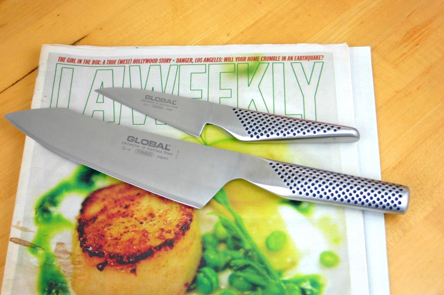 How to Sharpen Kitchen Knives with a Newspaper