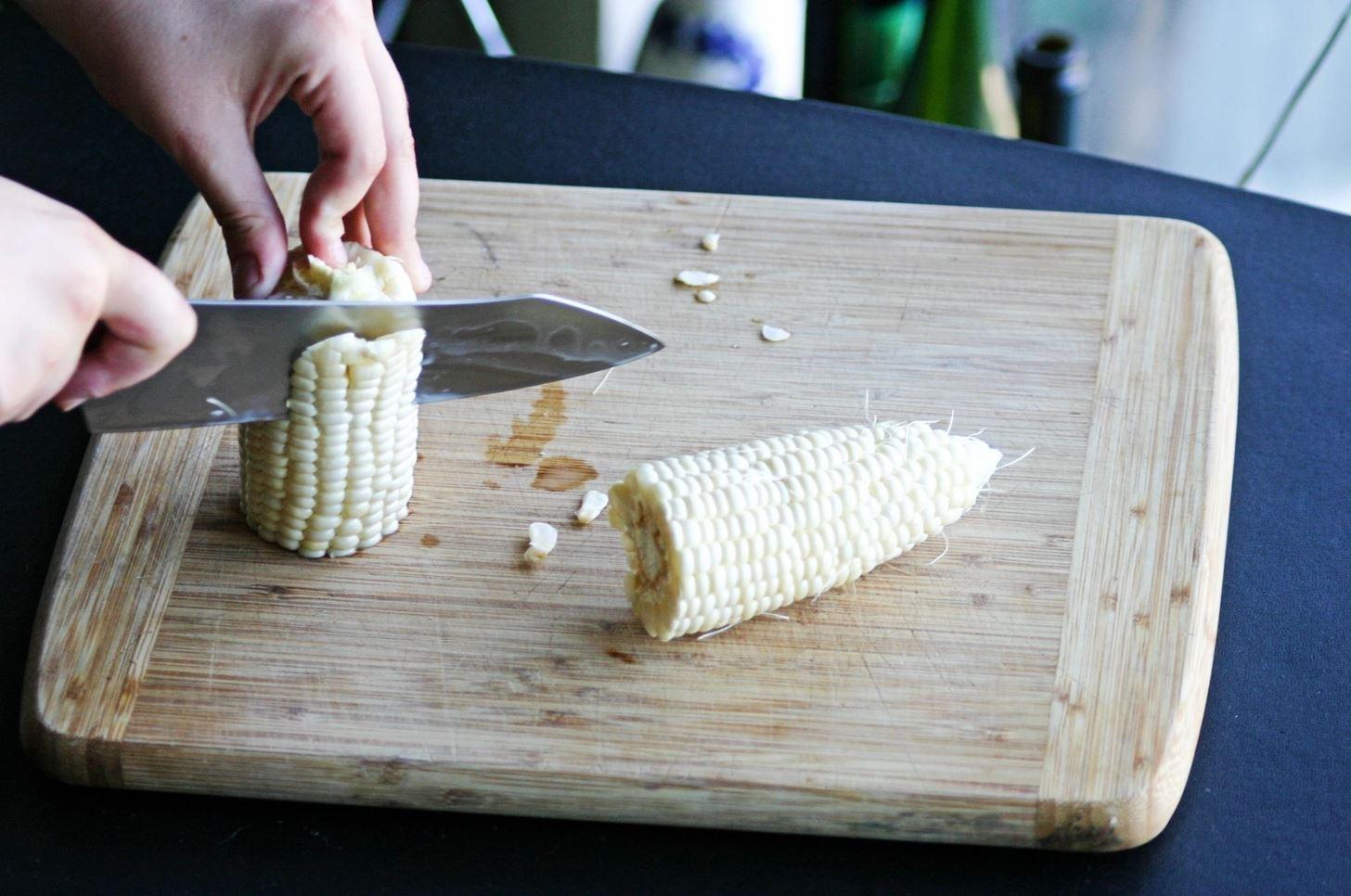how to take corn off the cob