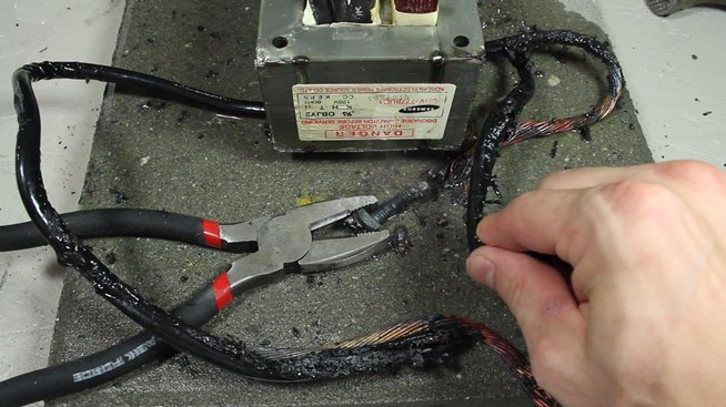 How to Make an AC Arc Welder Using Parts from an Old Microwave, Part 2