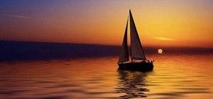 Create sail & sun airbrushed nail art