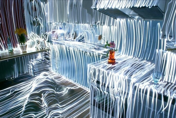 Extreme Light Painting: Artist Uses Just One LED to Trace Entire Rooms with Light Waves