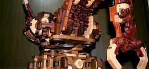 Amazing Wooden Gear Robot Claw