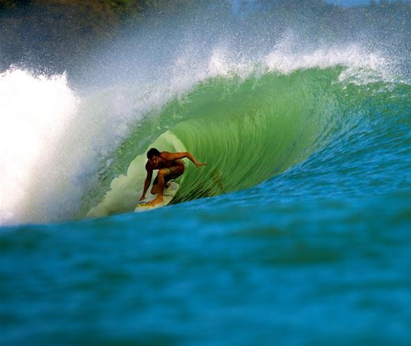 Epic surfing Bocas del Toro