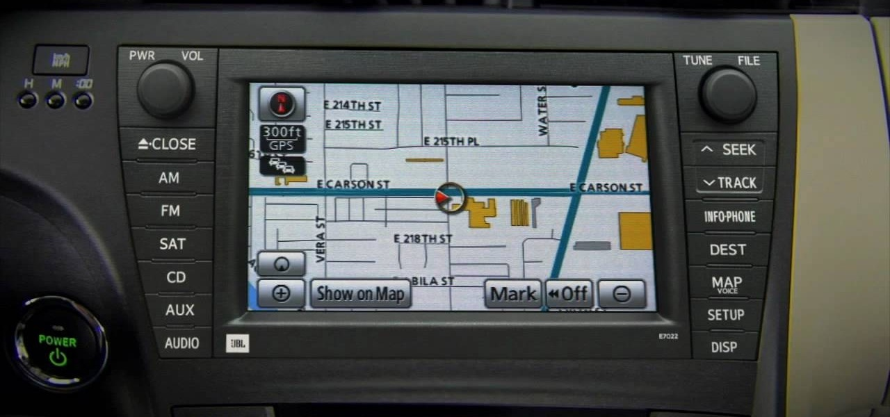 how to use the navigation system in a 2010 prius driving safety rh driver safety wonderhowto com Old Toyota Prius Toyota Prius Interior