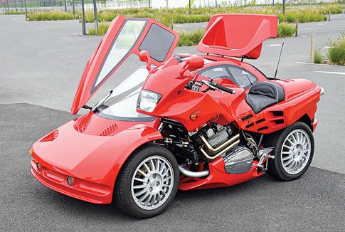 Frenchman Spends 10 Years Building Lamborghini Motorcycle Sidecar
