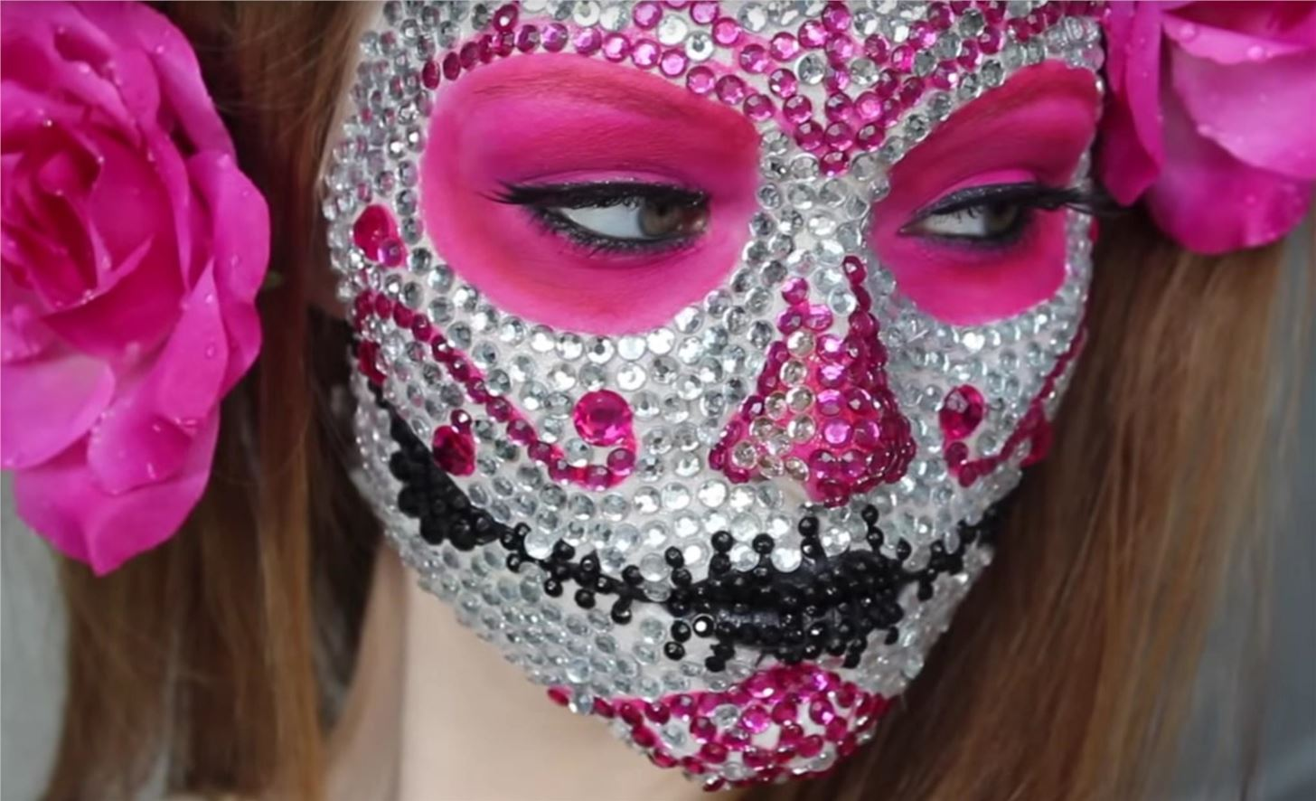 click here for even more sugar skull face painting ideas and make sure to share a picture of your version in the comments below