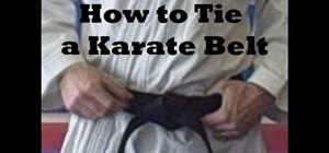 Tie your belt in karate, in 2 ways