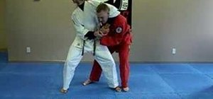 Escape a head lock using Jiu Jitsu
