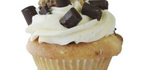 Bake and decorate chocolate chip cookie dough cupcakes