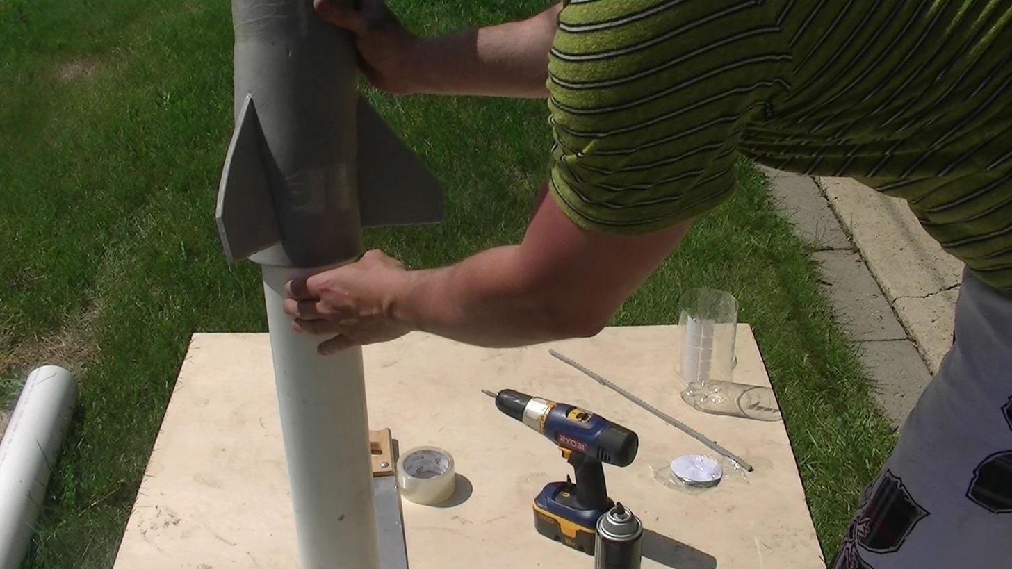 how to build a rocket with water
