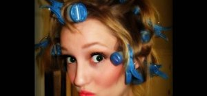Style a super easy side curls hairdo inspired by Carmen Electra
