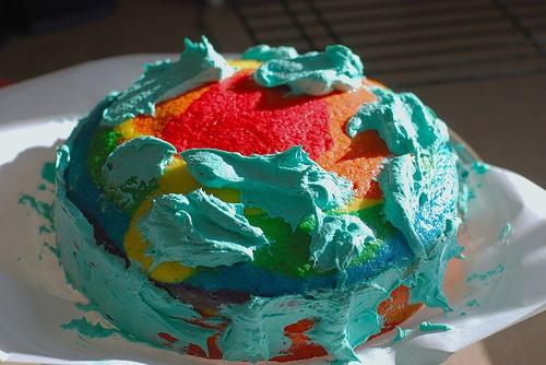 HowTo: Bake a Rainbow Cake