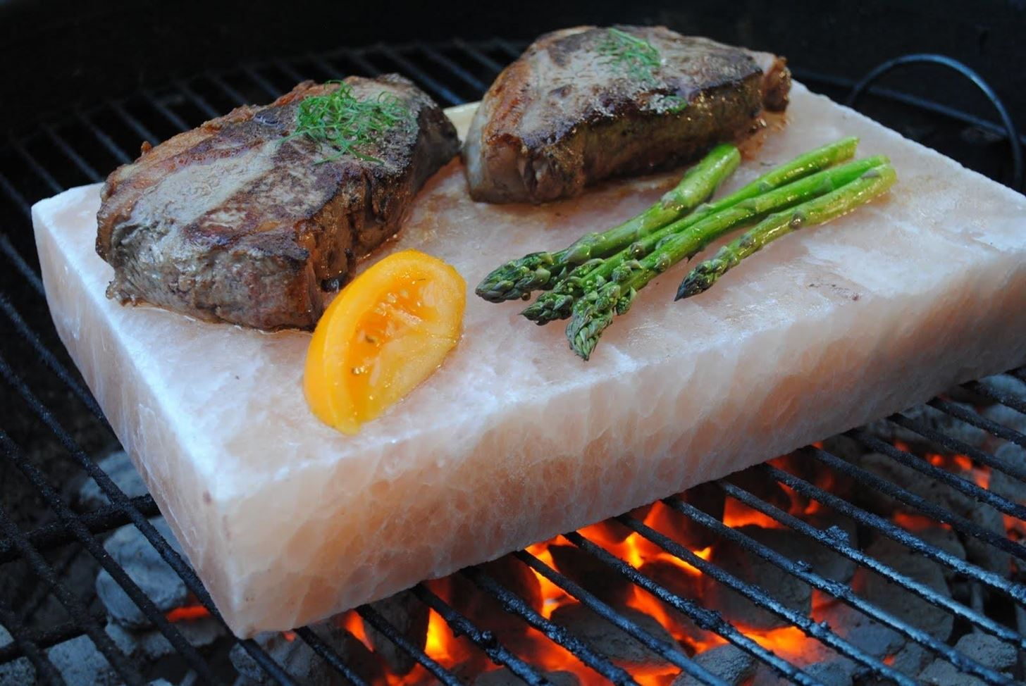 Why you need to cook on a himalayan salt block food - Sal de roca ...