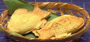 Make Japanese Taiyaki (fish-shaped cake w/ Bean Paste)