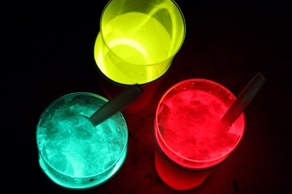 HowTo: Glow-in-the-Dark Sno Cones