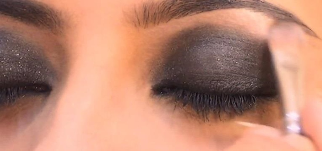 How to do a smokey eye makeup