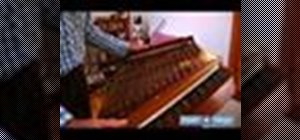 Play a hammered dulcimer