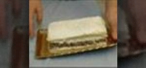 Makesponge cake with phyllo dough