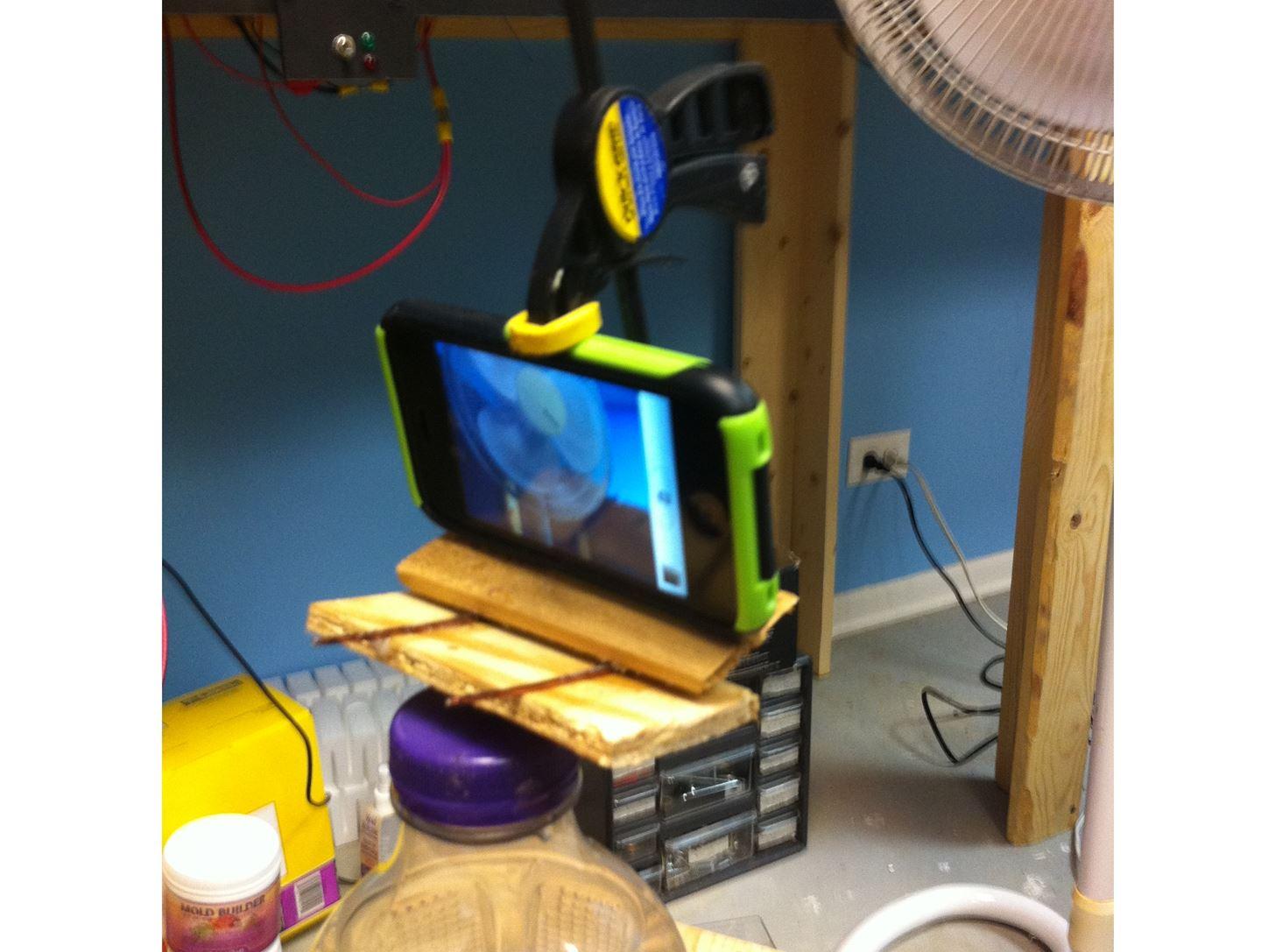 DIY Challenge: Camera tripod with camera phone attachment