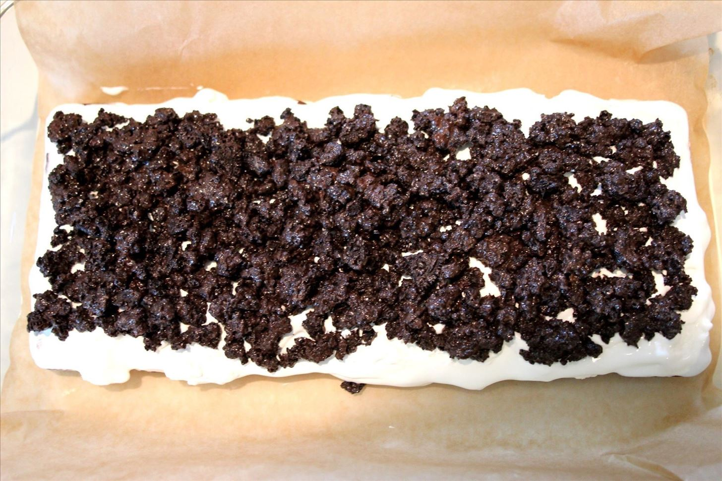How to Make a No-Bake Ice Cream Sandwich Cake in 10 Minutes