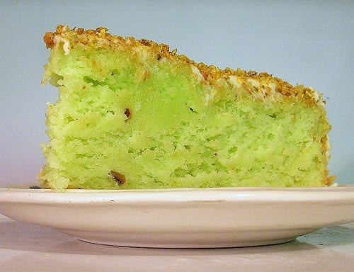RECIPE: Neon Green Pistachio Cake