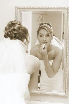 Get perfect bridal makeup