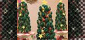 Make a holiday tree out of delicious frosted cupcakes