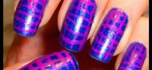 Create a Moroccan magenta nail art design
